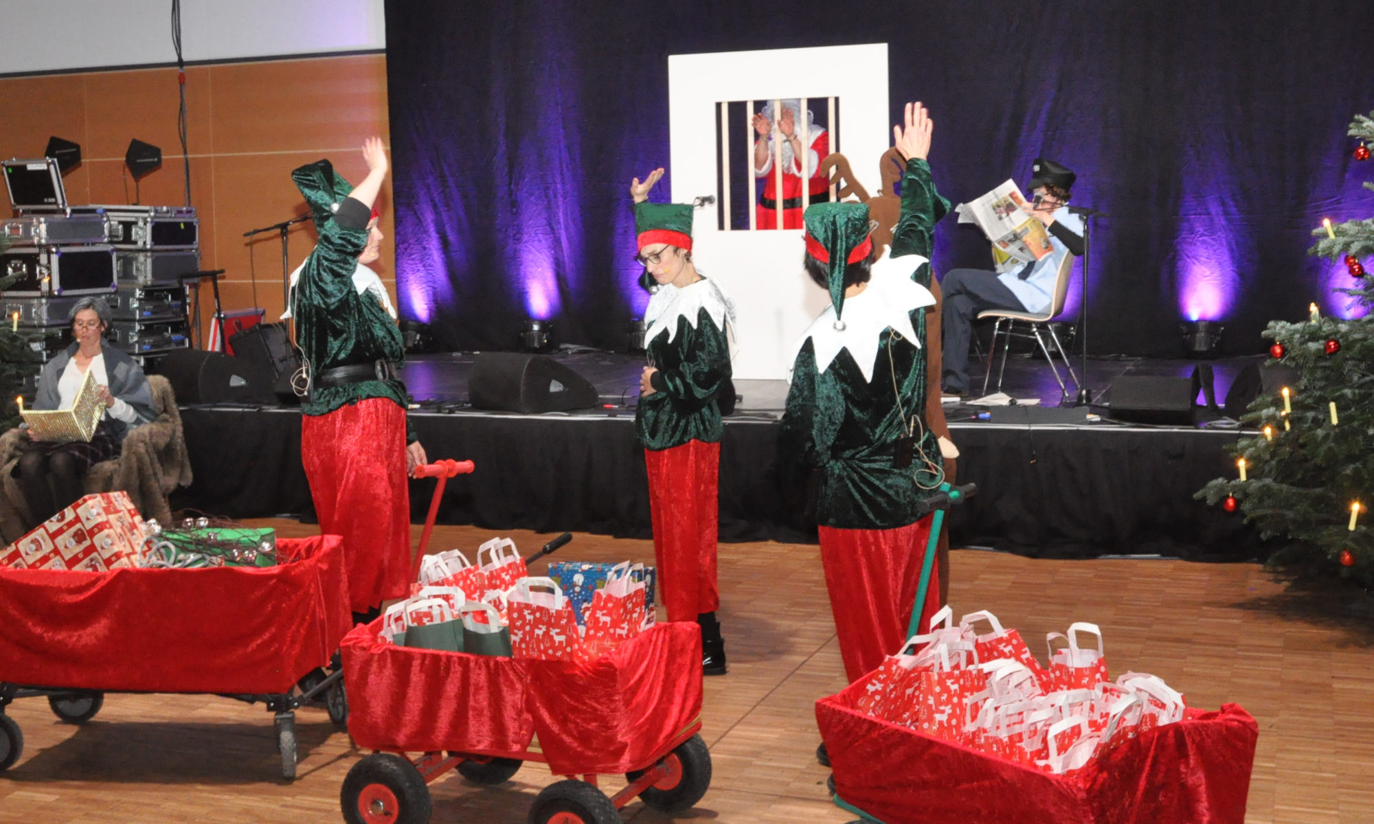 Weihnachtsfeier Theaterstück.Wolfenbütteler Werkstätten Feierten In Der Lindenhalle Lebenshilfe